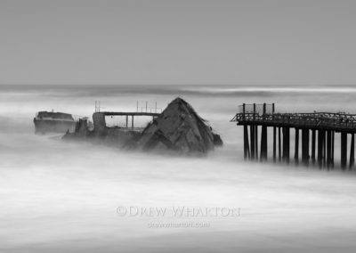 SS Palo Alto's stern rips apart in winter storm, Seacliff State Beach